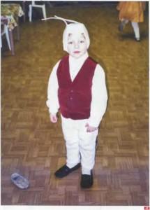 42. Зайчик на детсадовской ёлке. 1999 г. Санкт-Петербург. Архив С. Адоньевой